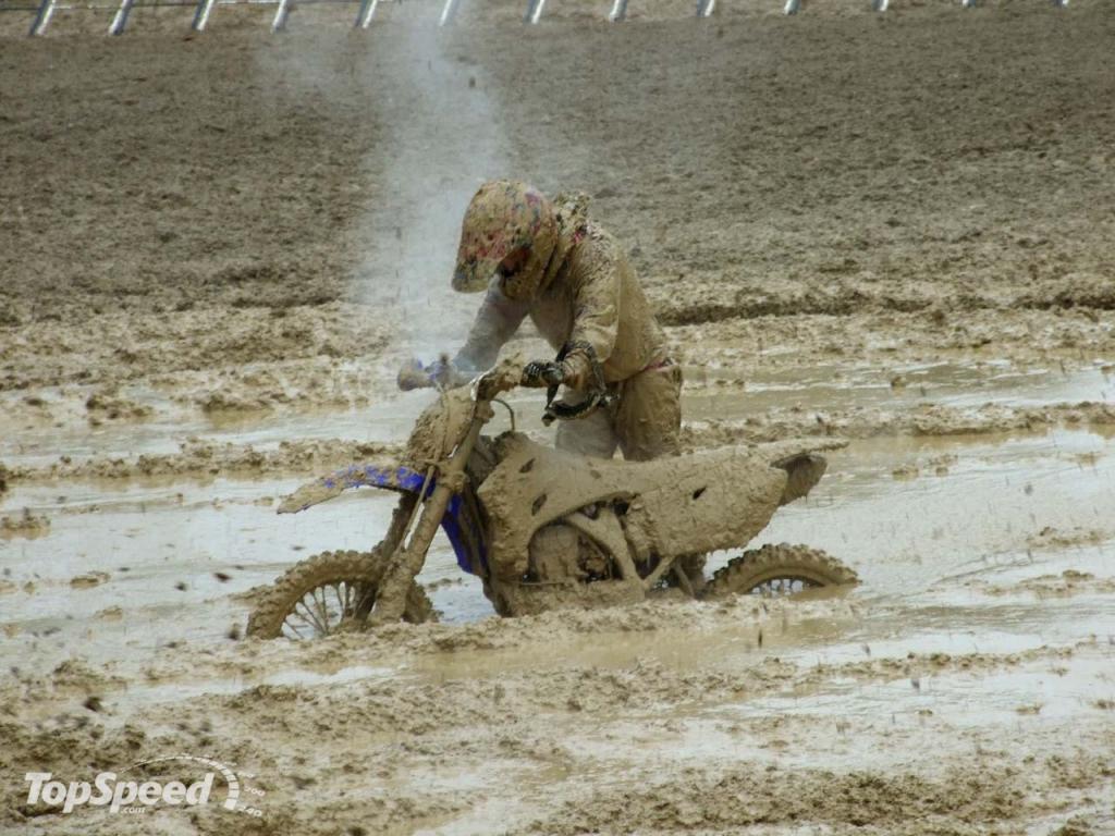 Fini le bitume  Extreme-motocross_1280x0w-32246ac