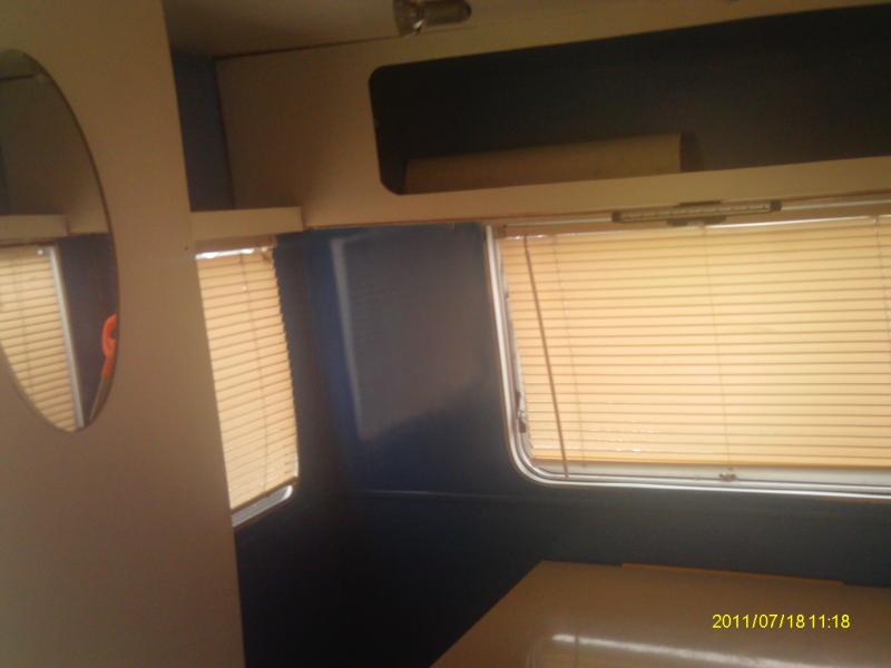 Caravelair 310a 1973 forum les caravaniers2 com for Peindre interieur caravane
